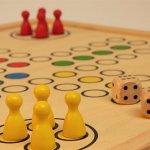 子供に人気のボードゲーム&カードゲームおすすめ|楽しくて教育効果バツグンなのはこれ!